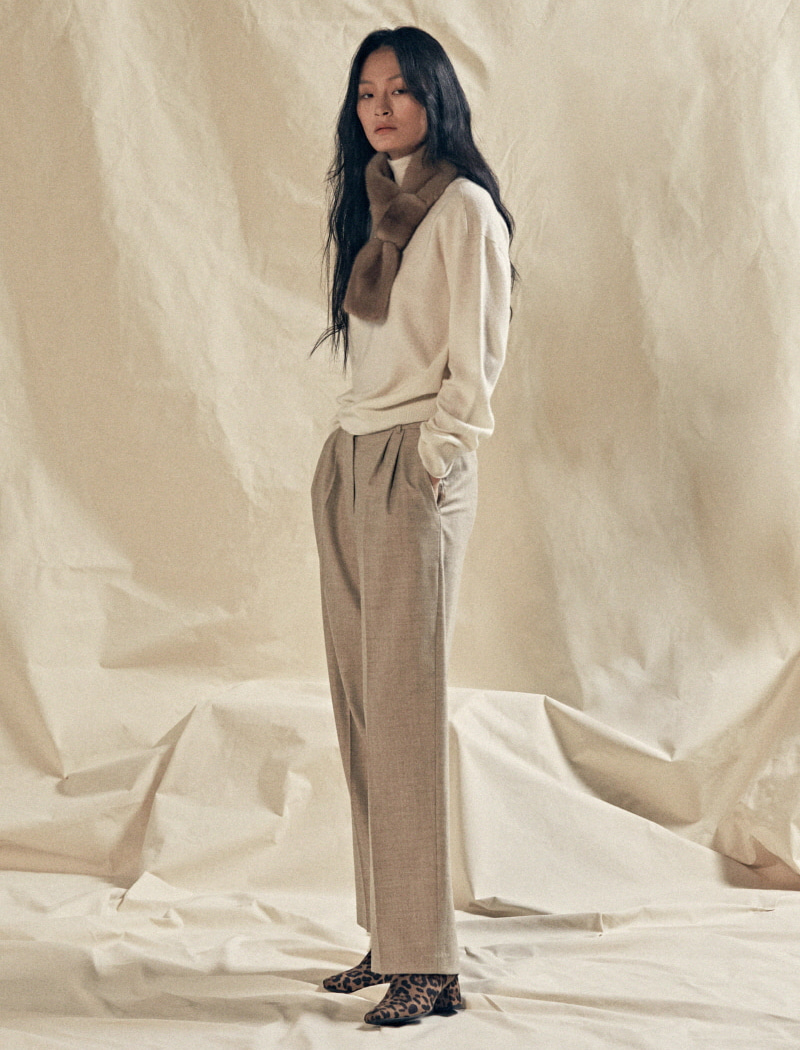 Classic wool pants 오트밀